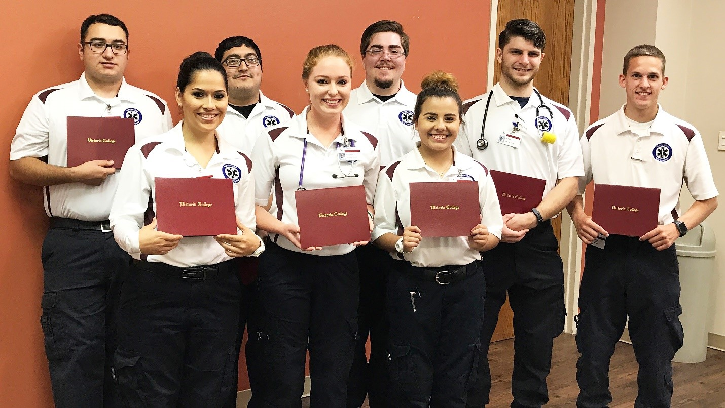 Eight Victoria College Emt Students Earn Certificates